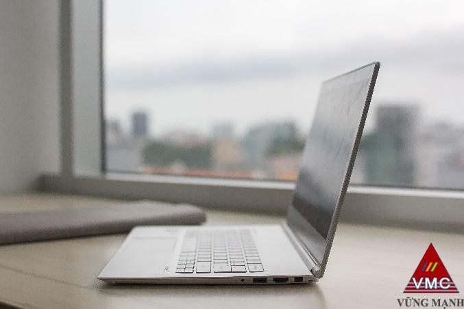 Đánh Giá Acer Aspire S7-393- mẫu mã bắt mắt, hiệu suất cao
